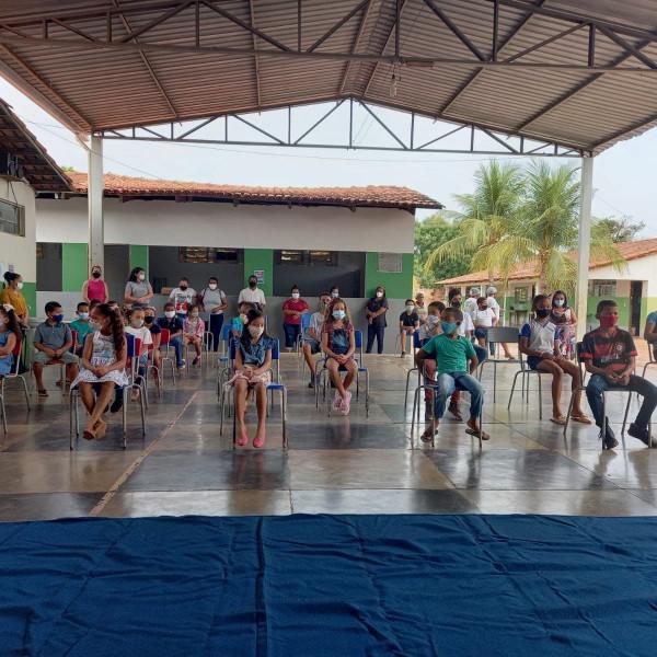 Secretaria de Educação Anuncia Retorno das Aulas Presenciais Híbridas na Escola Municipal Getúlio Vargas.